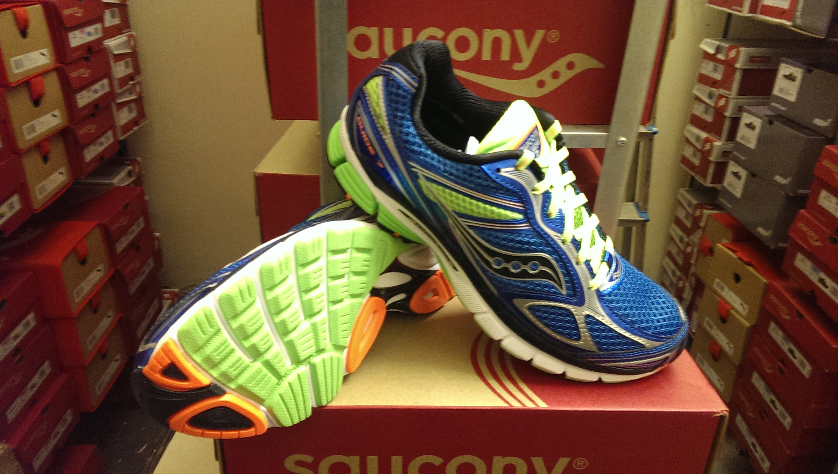 Saucony Powergrid Guide